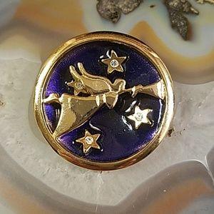 Christmas angel heralding w horn rhinestone pin GC